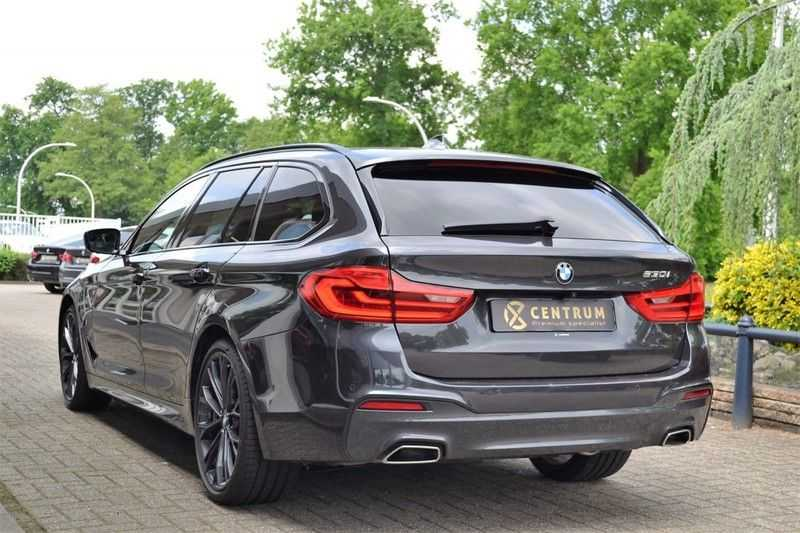 BMW 5 Serie 530i High Executive M-Sport / Pano Dak / ACC / Hud afbeelding 2