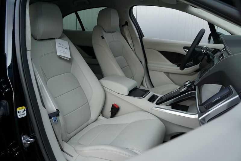 Jaguar I-PACE EV400 First Edition NIEUW uit voorraad leverbaar! / Direct rijden / Full options! afbeelding 4