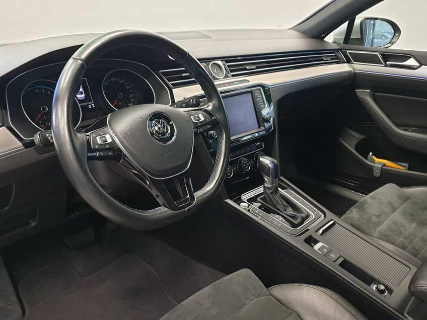 Volkswagen Passat 1.4 TSI GTE Highline EX BTW Navigatie Panoramadak LED PDC Clima Cruise 17`LM afbeelding 14