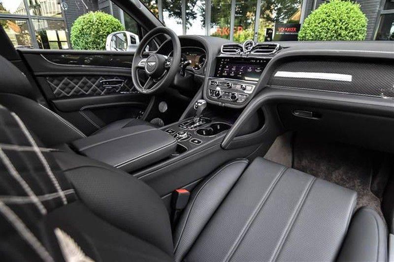 Bentley Bentayga V8 FIRST EDITION MASSAGE+CARBON+NAIM NP.322K afbeelding 3