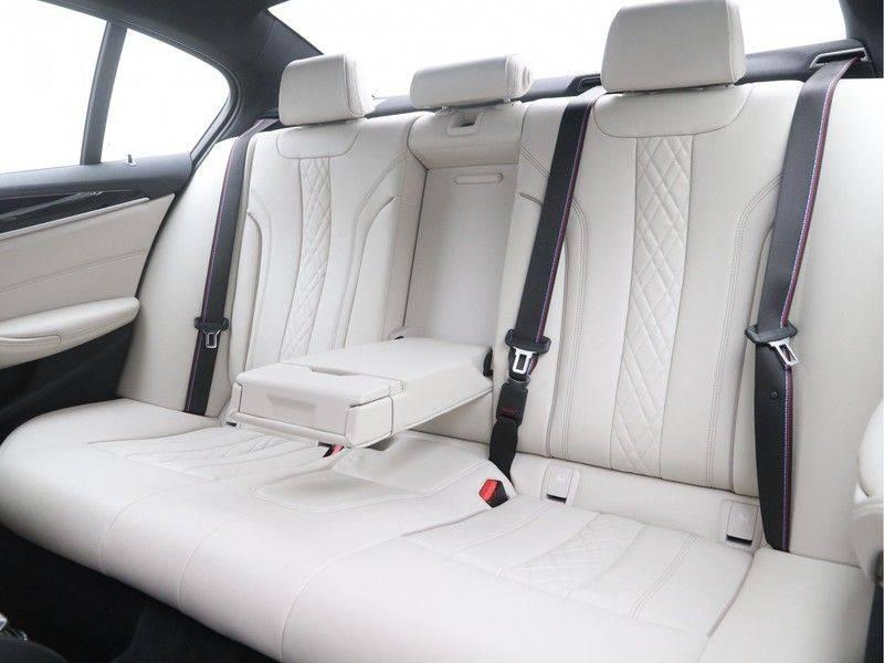 BMW 5 Serie Sedan 540i High Executive M-Sport Automaat afbeelding 15