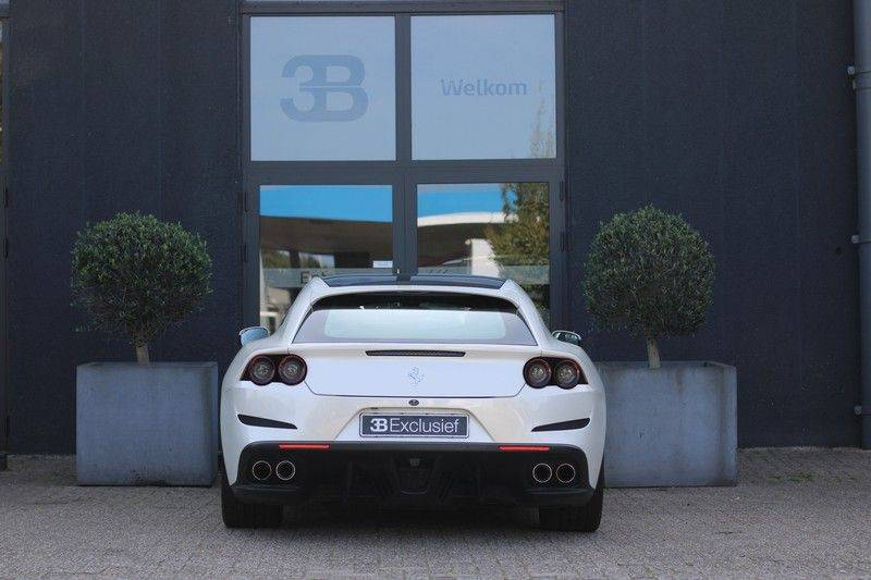 "Ferrari GTC4 Lusso 6.3 V12 2 years Ferrari warranty, HELE, Apple Carplay, Passenger Display, JBL, Pano, 20"" afbeelding 5"