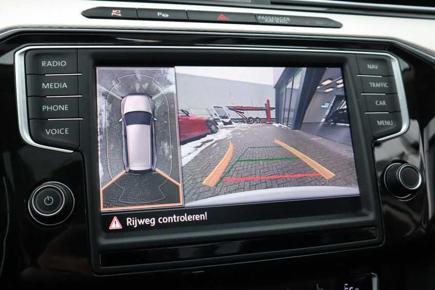 "Volkswagen Passat Variant 1.4 TSI GTE Highline Ex BTW! AD Cruise LED Leder 360 Camera HUD 20""LM afbeelding 24"
