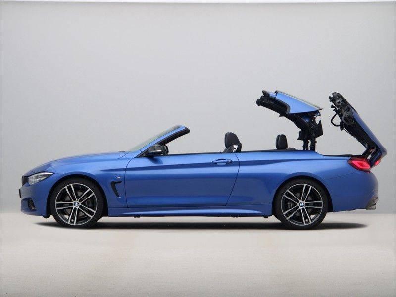 BMW 4 Serie Cabrio 430i High Exe M-Sport afbeelding 24