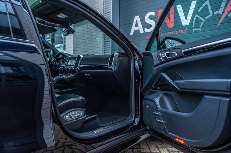 Porsche Cayenne 3.6 GTS, 441 PK, Sport/Design, 18/Way Seats, PASM, Pano/Dak, Bose, Soft/Close, Sportuilaat, 84DKM!! afbeelding 6