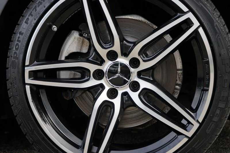 Mercedes-Benz C-Klasse Coupé 300 Prestige afbeelding 9