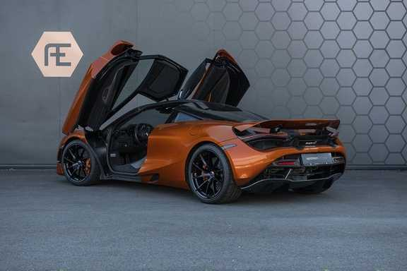 McLaren 720S 4.0 V8 Performance BTW + CF INTERIOR + LIFTING + SOFT CLOSE