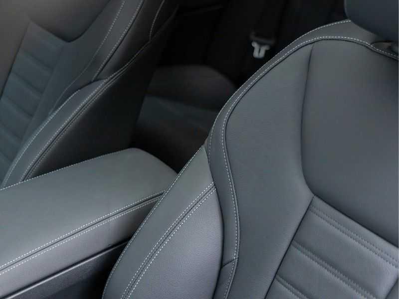BMW 4 Serie Coupé M440i xDrive M-Sport - Head-up - Dak - Camera - DAB afbeelding 14