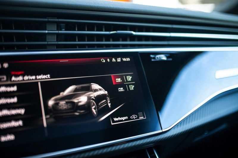 "Audi RS Q8 4.0 TFSI Quattro *RS-Dynamic Plus / Keramisch / Massage / HUD / 23"" / B&O* afbeelding 14"