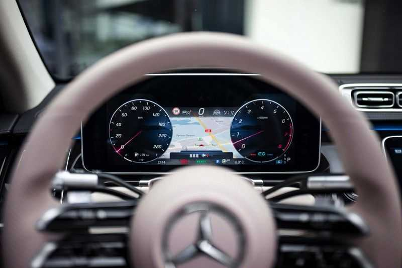 "Mercedes-Benz S-Klasse 500 4Matic Lang AMG *Pano / 3D Burmester / HUD / Distronic / 21"" / 3D Display* afbeelding 6"
