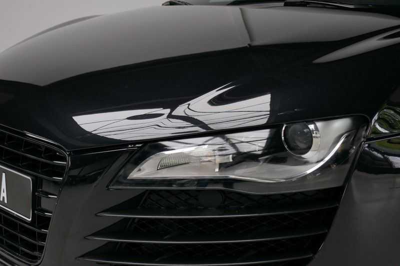 Audi R8 4.2 V8 FSI Quattro Black Edition afbeelding 18