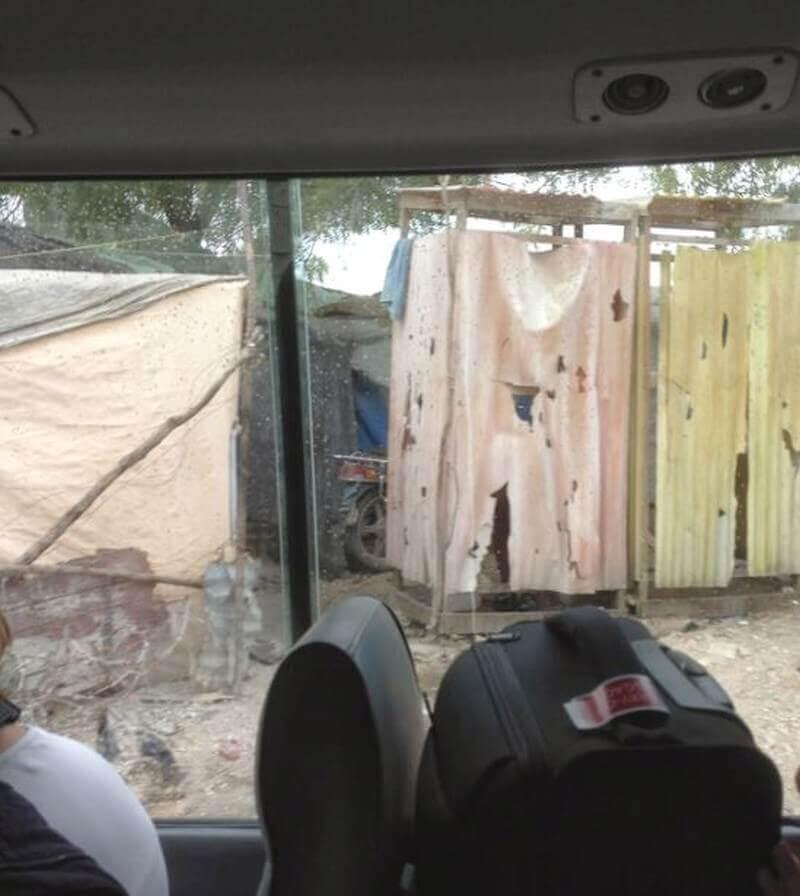 Slechte wegen en bouwvallige huisjes