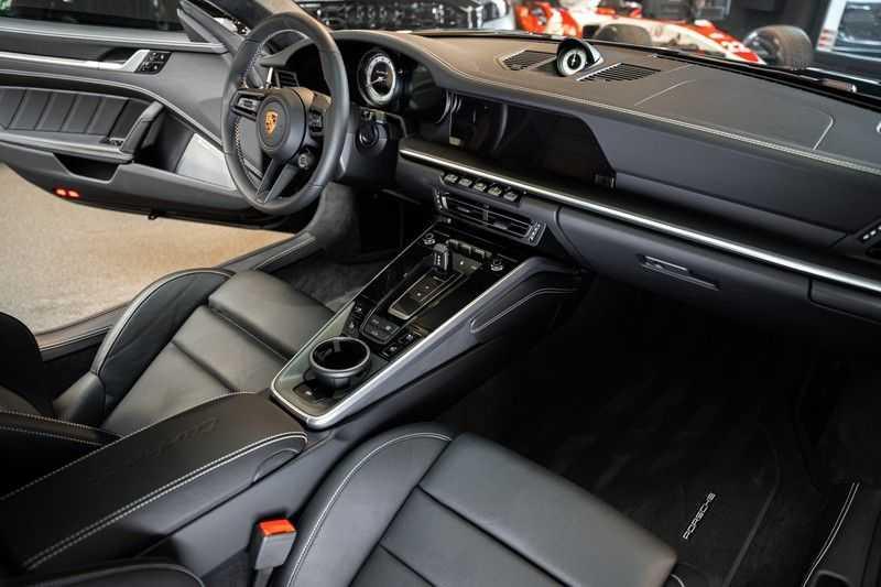 Porsche 911 992 Turbo S keramisch PCCB Burmester PDLS 3.8 Turbo S afbeelding 15