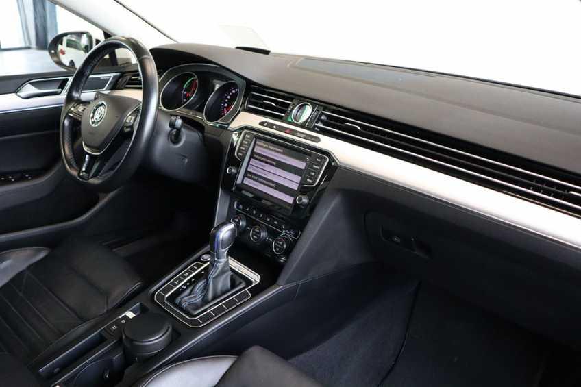 "Volkswagen Passat Variant 1.4 TSI GTE Highline Ex BTW! AD Cruise LED Leder 360 Camera HUD 20""LM afbeelding 3"