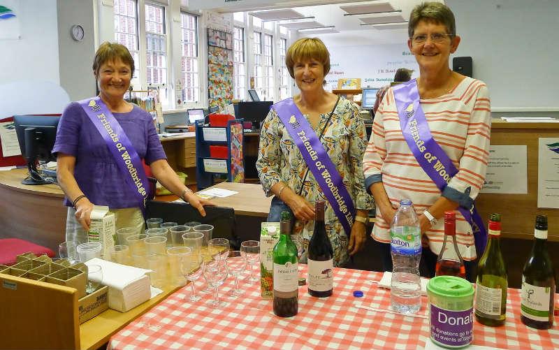 Woodbridge Library volunteers