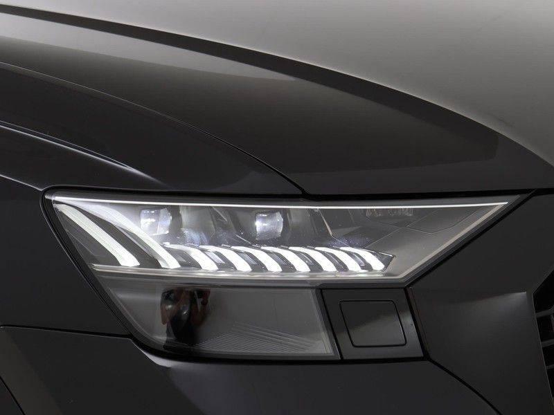 Audi RSQ8 4.0 TFSI 600 pk RS Q8 quattro | Pano.Dak | Carbon | Trekhaak | Keyless-Entry | 360Camera | B&O Sound | Alcantara | afbeelding 19