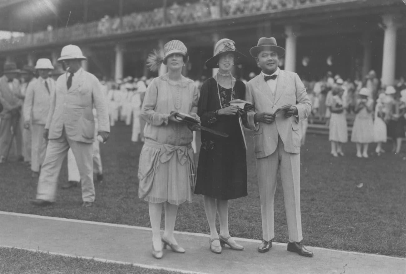 Spectators at Farrer Park Racecourse, 1930