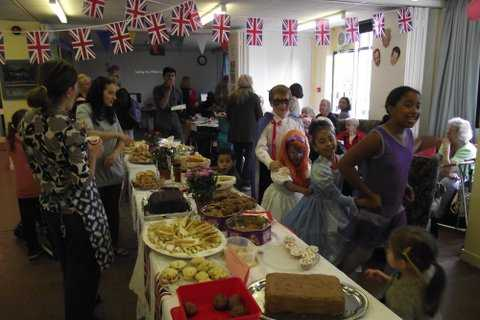 Holly-Lodge-Community-Centre-party-time