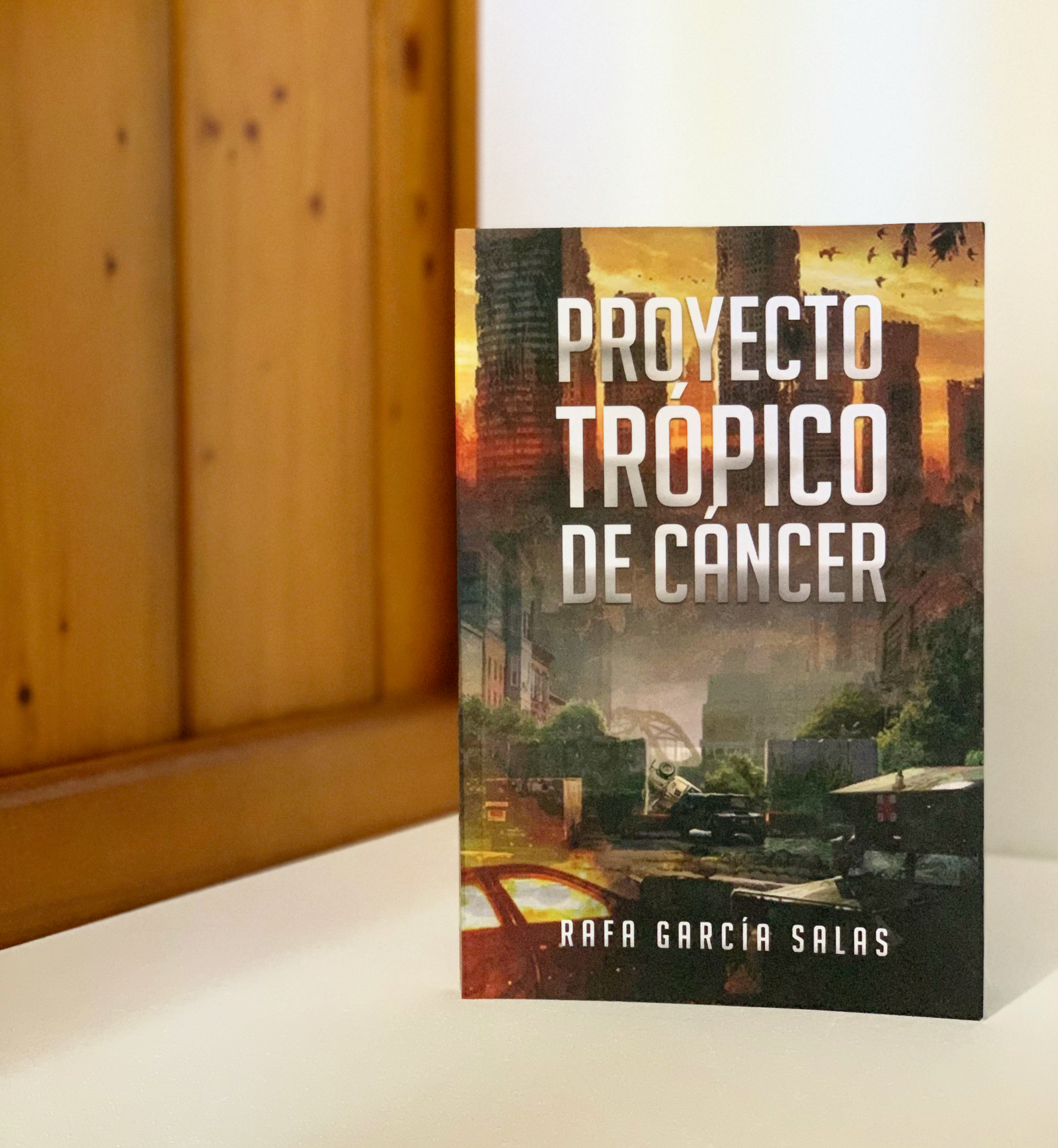 """Imagen de Reseña de """"Proyecto Trópico de Cáncer"""", de Rafa García Salas."""