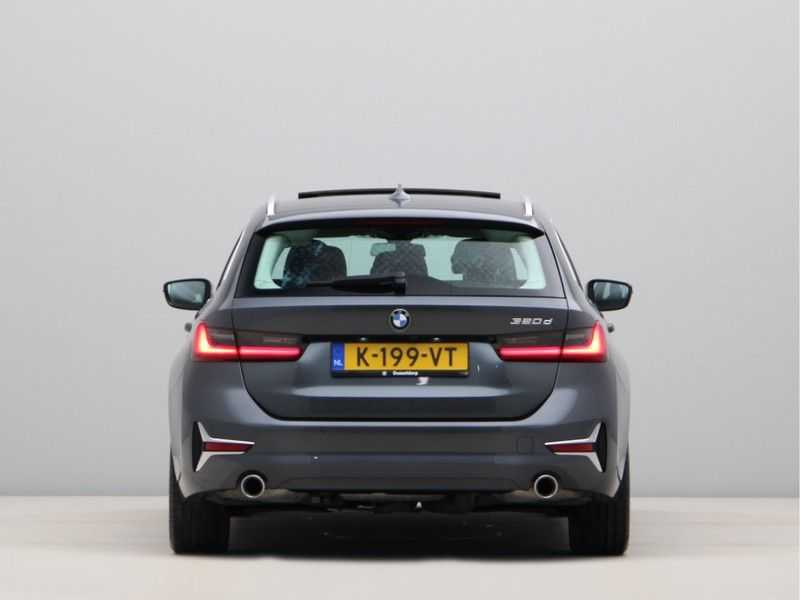 BMW 3 Serie Touring 320d High Executive Edition afbeelding 15