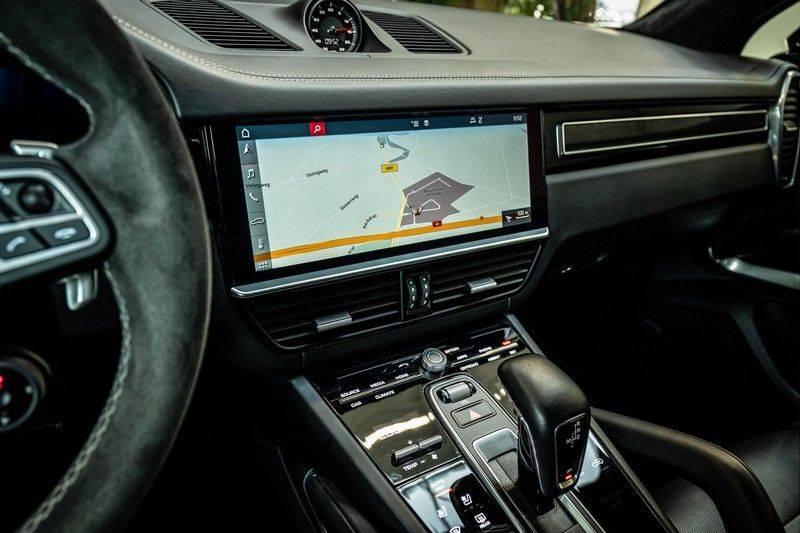 Porsche Cayenne 4.0 Turbo   Head-Up   Carbon   Panorama   3D Camera   BOSE   Trekhaak   Afwijkende stikselkleur   Stoelventilatie   NP 252.000! afbeelding 16