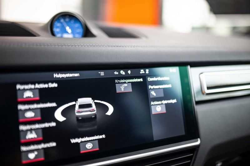 "Porsche Cayenne 3.0 E-Hybrid *Pano / BOSE / Massage / Stoelventilatie / 22"" / ACC / Sport Chrono* afbeelding 19"