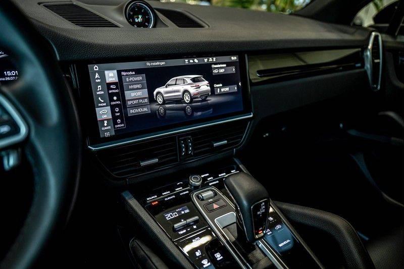 Porsche Cayenne 3.0 E-Hybrid   Panorama   Memory   360 gradencamera   Sport Chrono   DAB afbeelding 19