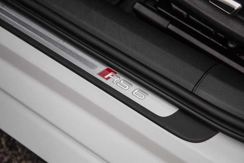Audi RS6 Avant 4.0 TFSI RS6 quattro | 560PK | Audi Exclusive | Pano.Dak | Bose Sound | Adapt.sport Onderstel | afbeelding 13