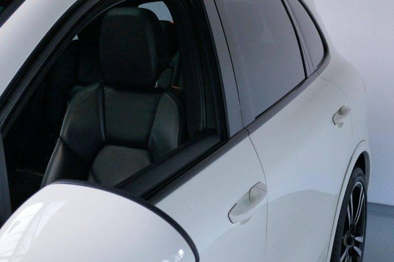 Porsche Cayenne 4.8 S Panoramadak afbeelding 9