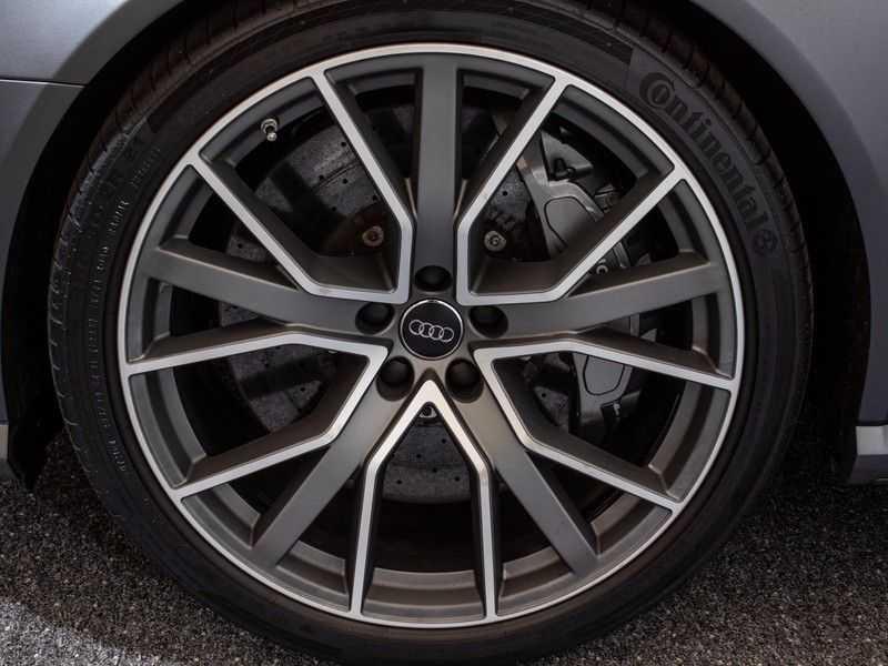 Audi A6 Avant 4.0 TFSI RS6 quattro perfomance | Dynamiekpakket plus | Carbon Optiek | B&O advanced | RS-sportuitlaat | DAB+ | Head-up display | Alcantara Hemel | Pano dak | Nachtzicht | afbeelding 4