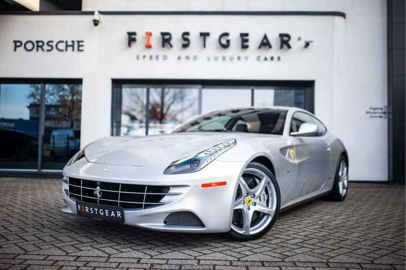 "Ferrari FF 6.3 V12 HELE *Collector Car / Passenger Display / 20"" / Carbon / Memory* afbeelding 1"