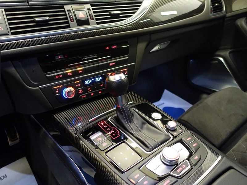 Audi A6 Avant 4.0 TFSI RS6 Quattro Performance 605pk Aut- B&O, Nightvision, Head-up, Orig NL Auto! afbeelding 24
