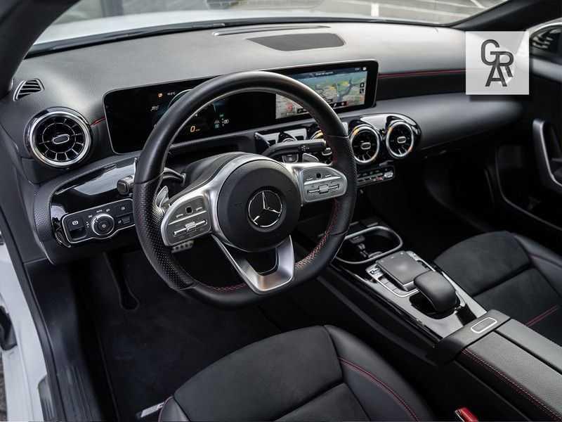 Mercedes-Benz A-Klasse A200 Launch Edition Premium Plus afbeelding 6