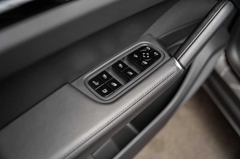 Porsche Cayenne Coupé Hybrid Sport Design Hoogglans 22' Adaptieve Sport Stoelen ACC Surround 3.0 E-Hybrid afbeelding 21