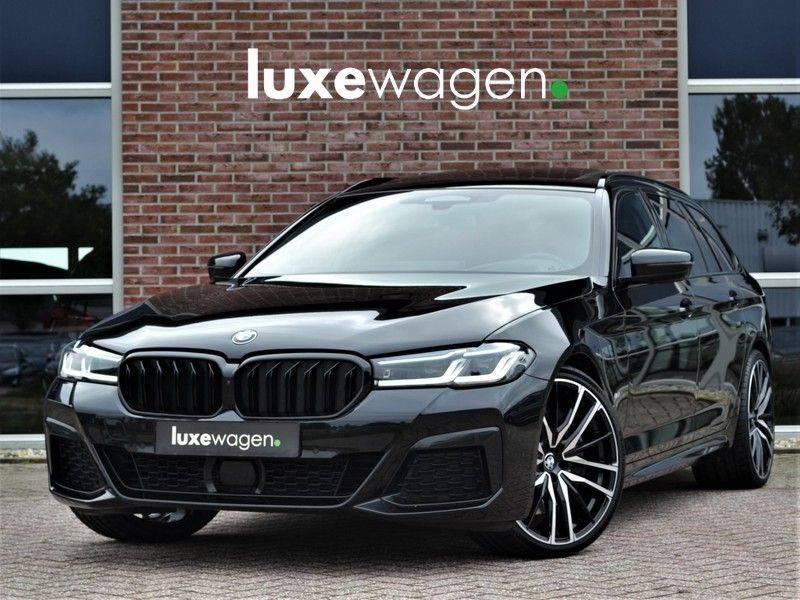 "BMW 5 Serie Touring 530d 286pk M-Sport Pano DA+ PA+ Laser 21"" Adp-drive HUD afbeelding 1"