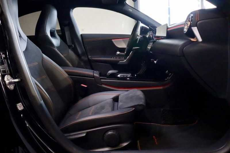 Mercedes-Benz CLA-Klasse 200 AMG Orange Edition PANO|Burmester|360cam|Sfeer afbeelding 20