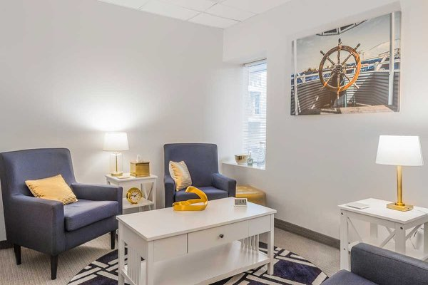 A photo of a psychologist therapy office