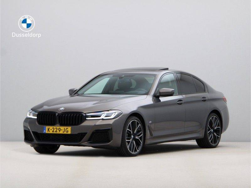 BMW 5 Serie 540i High Exe M-Sport afbeelding 1