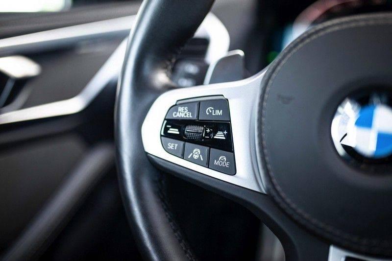 BMW 8 Serie 840d xDrive High Executive *Laser / Harman-Kardon / HUD / Nachtzicht / Carbon / ACC / Nekverwarming* afbeelding 11