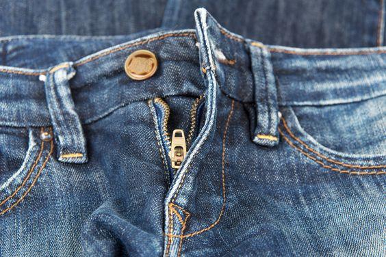 Braguette de jean entrouverte