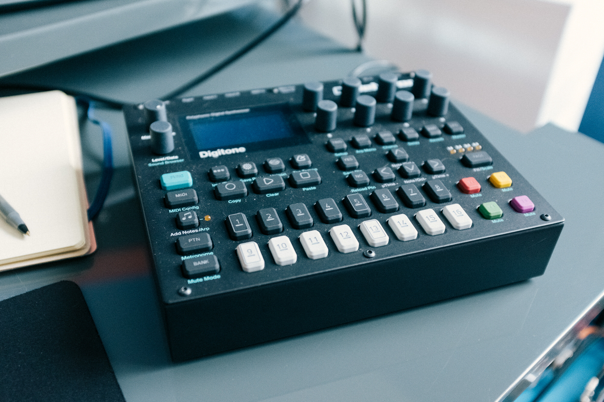 An image of the Elektron Digitone.