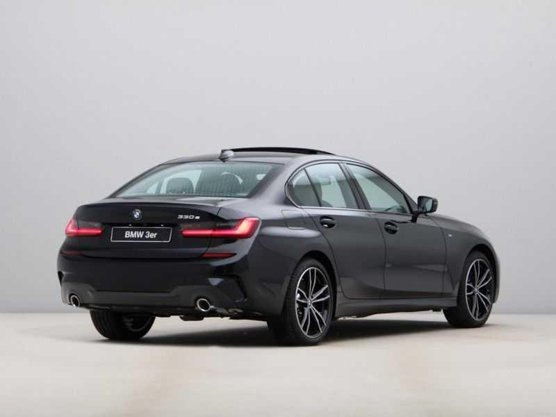 BMW 3 Serie 330e High Exe M-Sport Aut afbeelding 11
