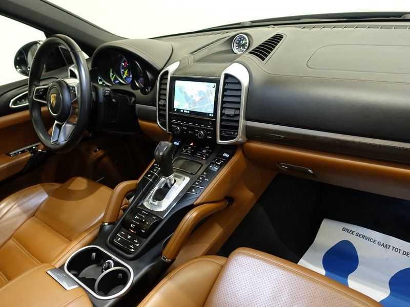 Porsche Cayenne 3.0 S E-Hybrid 334pk Sport Chrono Aut- Panodak, Bose, Leer, Camera, Full! afbeelding 8