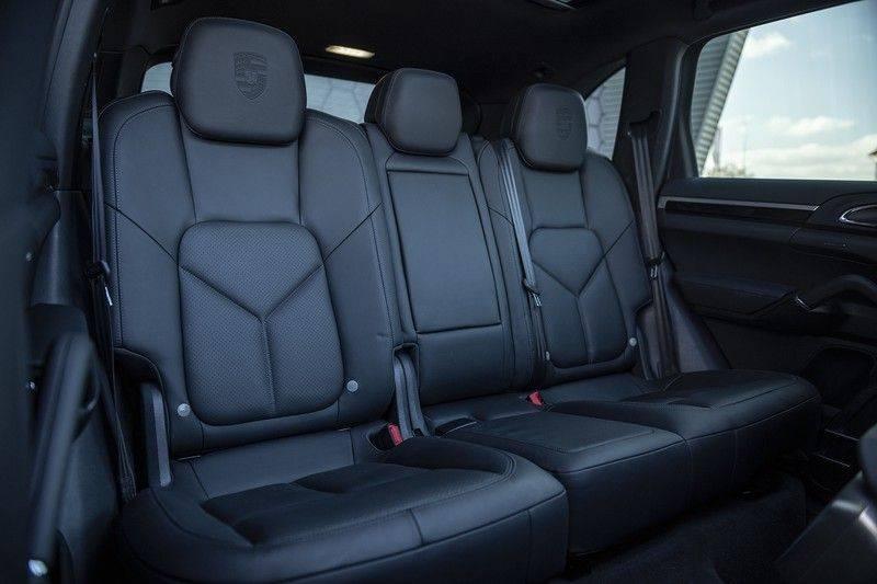 Porsche Cayenne 3.0 D Platinum Edition Org. Ned. + Dealer onderhouden + Sportchrono + Stuur/ Stoel verwarming+ Stoel koeling + Bose afbeelding 17