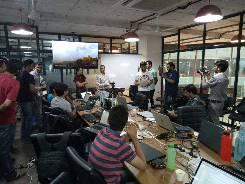The story of my first hackathon | 1 hackathon : 48 hours : Immeasurable learnings