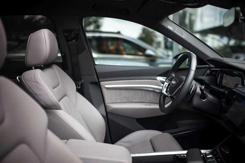 Audi e-tron 55 Quattro *Advanced / B&O / Pano / ACC / 4% Bijtelling €175,- P.M.* afbeelding 3