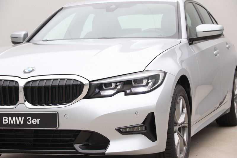 BMW 3 Serie 318i Sedan Exe Sportline Aut. afbeelding 19