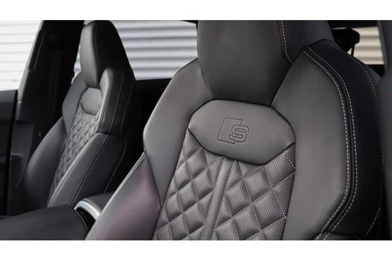 Audi Q8 55 TFSI quattro S-Line, Panoramadak, B&O, Massage, Ruitstiksel, Trekhaak afbeelding 18