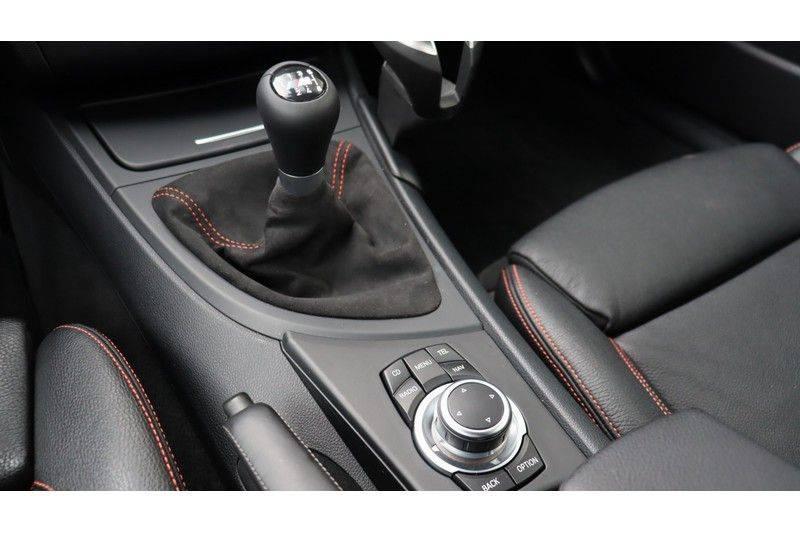 BMW 1 Serie Coupe 3.0i M Akrapovic, Harman/Kardon, Comfort Access afbeelding 7