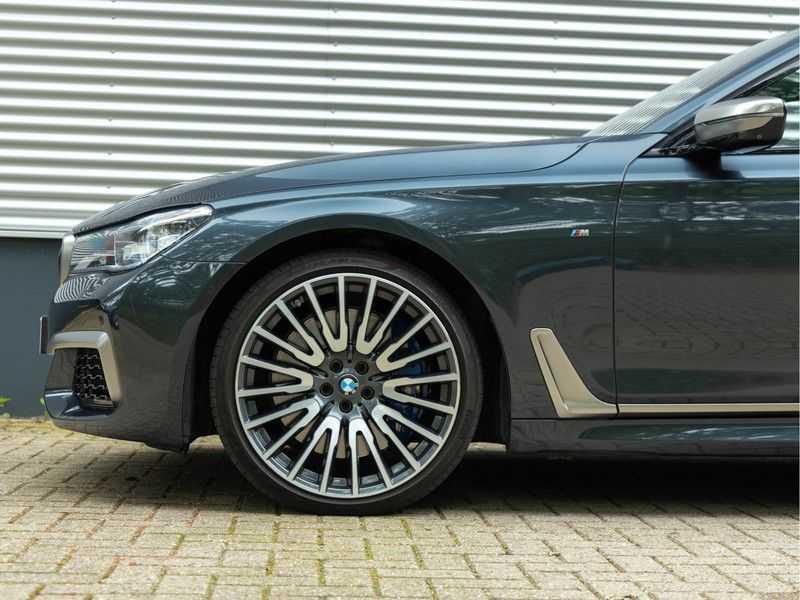BMW 7 Serie M760Li xDrive - Bowers & Wilkins Audio - Night Vision - Entertainment Professional afbeelding 9